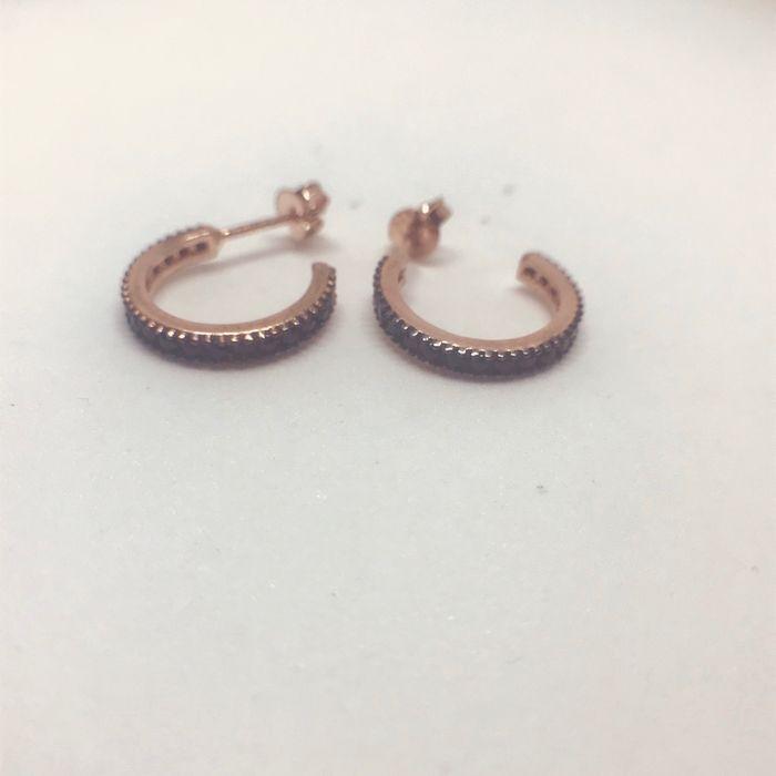 Γυναικεία ασημένια επιροδιωμένα σκουλαρίκια κρικάκια με μαύρες πέτρες zircon f3096614b51